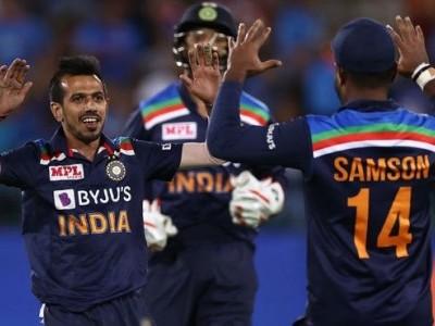''Concussion Sub'' Chahal trumps Australia, India win first T20 by 11 runs