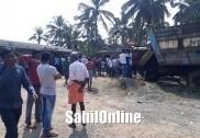Man falls into 15-feet deep hole in Udupi