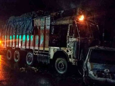 7 charred to death in UP's Unnao following truck-van collision
