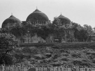 سپریم کورٹ کے وکیل نے رام مندر ٹرسٹ کو لکھاخط، بابری مسجد کے پاس قبرستان کی زمین چھوڑ دی جائے