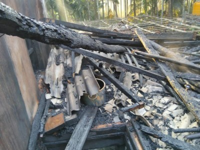 Three storeyed building gutted in Honnavar; loss of 60 lakh rupees estimated