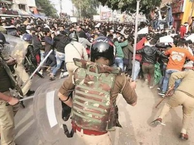 Delhi Police to look into lathi-charge allegations by anti-CAA protesters in Hauz Rani