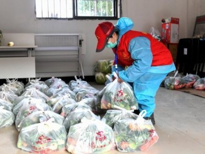 'No one cares': Locked-in Wuhan residents adapt to find food