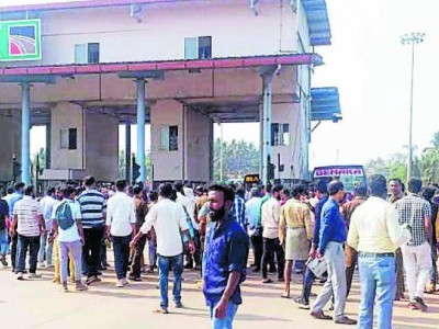 Bus operators protest, dividers at Talapady tollgate removed