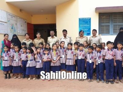 Anjuman Noor School Students enjoy visit to police station Bhatkal