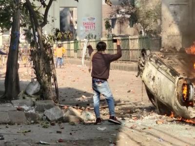 ہمارے حکم کا انتظار نہ کریں، کارروائی کیجئے ؛ دہلی تشدد معاملے پر ہائی کورٹ کی پولیس کو سخت ہدایت