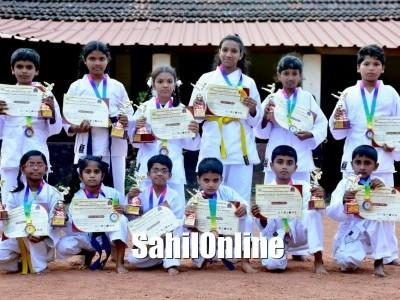 ಭಟ್ಕಳ:  ಮುರುಡೇಶ್ವರ ಬೀನಾ ವೈದ್ಯ ಶಾಲೆಯಲ್ಲಿ ಕರಾಟೆ ಸ್ಪಧೆ
