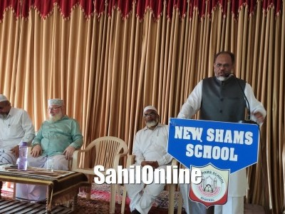 Dr. Belgami Mohammad Saad, President Jamaate Islami Hind Karnataka speaks with New Shams School students about current scenario of country