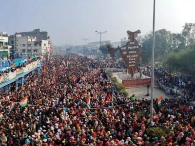 دہلی کے شاہین باغ میں لاکھوں مظاہرین نے منایا پورے جوش وخروش کے ساتھ یوم جمہوریہ؛ شہریت قانون کی سخت مخالفت