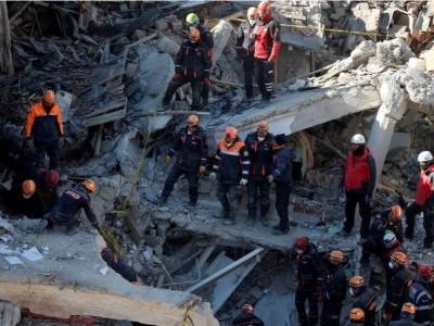 ترکی میں زلزلے کے باعث ملبے تلے دبے افراد کی تلاش جاری طاقت ور زلزلے کے باعث ہلاکتوں کی تعداد 29 ہوگئی، 1400 زخمی