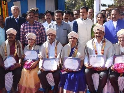 ಸರ್ವೋತ್ತಮ ಸೇವಾ ಪ್ರಶಸ್ತಿ ವಿಜೇತ ಜಿಲ್ಲೆಯ ನೌಕರರು