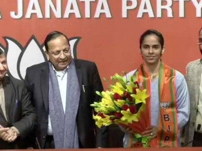 Badminton ace Saina Nehwal joins BJP