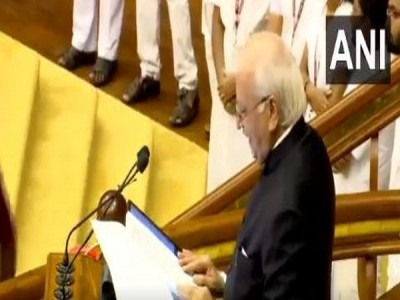Guv expresses reservation but reads out anti-CAA portion in Budget address to honour Kerala CM's wish