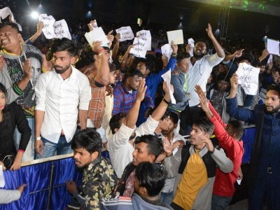 کلکتہ یونیورسٹی کی تقریب میں پہنچے گورنر کے خلاف نعرہ بازی، بغیر شرکت واپس