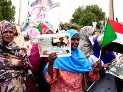 عمرالبشیر کی برطرفی کے بعد اصلاحات میں تیزی کے لئے سوڈان میں عوامی احتجاج