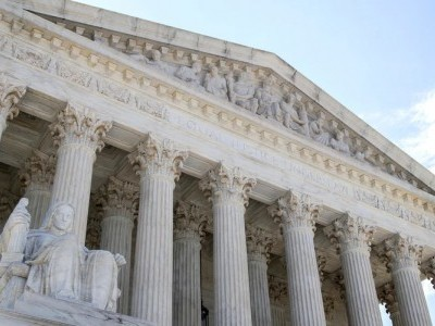 مذہبی تعلیم کے لیے امریکی ریاستیں فنڈنگ کر سکتی ہیں: سپریم کورٹ