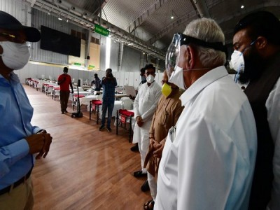 Karnataka CM inspects facilities at BIEC Covid-19 Care Centre