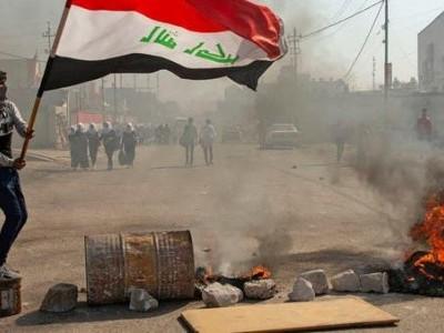 عراق : بصرہ میں بجلی کی عدم فراہمی پر مظاہرین کا احتجاج اور راستے بند