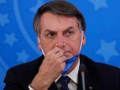 Brazil's president says hydroxychloroquine to cure his virus