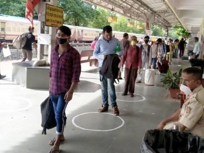 کاروار ریلوے اسٹیشن سے مغربی بنگال کے لئے 967 مزدور وطن روانہ