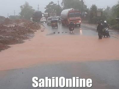 طوفان نسرگا کرناٹک کے ساحل کو چھو کر آگے نکل گیا؛ ساحلی کرناٹکا میں طوفانی ہواوں کے بعد ہوئی زوردار بارش