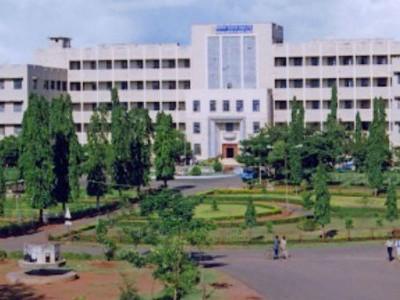 کوویڈ۔ 19 : کمس اسپتال ہبلی میں ریاست کا پہلا پلازمہ تھیراپی تجربہ کامیاب؛  بنگلور میں تجربہ ناکام ہونے کے بعد ہبلی ڈاکٹروں کو ملی زبردست کامیابی