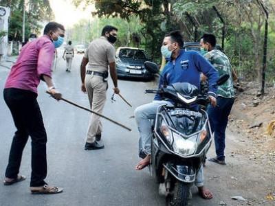 غیر ضروری طور پر کسی پر لاٹھی نہ برسائی جائے: پولیس کمشنر بھاسکر راؤ