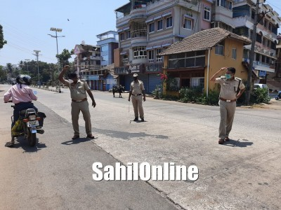 Covid-19: Police lathi charge on lockdown violators in Karwar
