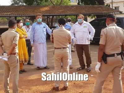 Uttara Kannada SP Shivprakash Devraj Vists Bhatkal Govt hospital, discussed with Media, Tanzeem delegationa and doctors of Taluka hospitl