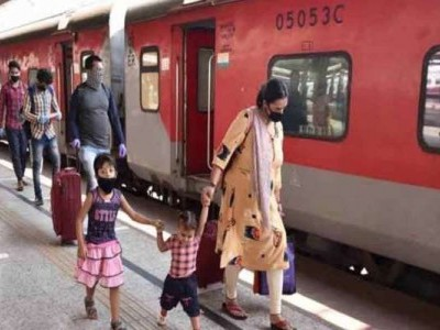 Over 2 lakh migrants book tickets worth Rs 45 crore to travel in special trains