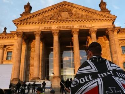 جرمن جمہوریت کھلے حملوں کی زد میں ہے: ایس پی ڈی