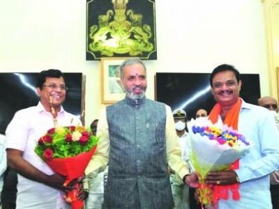 ریاست کرناٹک کے دو اسمبلی حلقوں میں نئے اراکین اسمبلی نے حلف اٹھایا