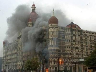 ممبئی: 26/11 کے دہشت گردانہ حملہ کے شہدا کو حکومت اور پولیس نے یاد کیا