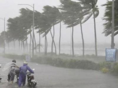 """کرناٹک میں گردابی طوفان """"نیوار""""سے متعلق ریڈ الرٹ"""