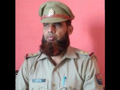 اتر پردیش: داڑھی رکھنے کے سبب مسلم پولس اہلکار کے خلاف کارروائی پر ہنگامہ