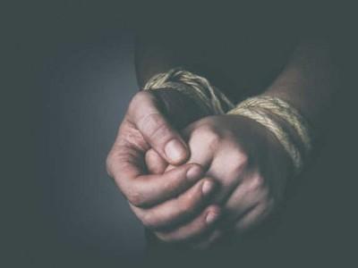 ہلیال:بی جے پی کی طرف سے کیا گیافلمی انداز میں  گنگاوتی سی ایم سی رکن کا اغواء