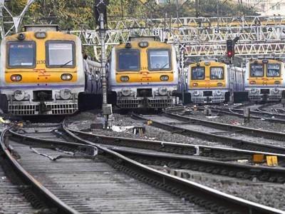 عام مسافروں  کیلئے لوکل ٹرین کی بحالی میں پریشانی
