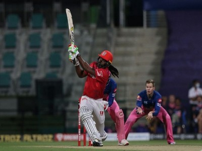 Chris Gayle becomes first player to smash 1000 sixes in T20 cricket