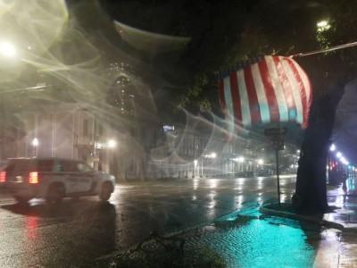 سمندری طوفان 'سیلی' امریکی ساحل سے ٹکرا گیا، شدید بارشوں کی پیشن گوئی