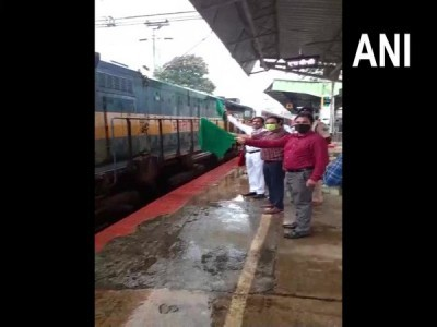 First Kisan Rail from Karnataka flagged off from KSR Bengaluru to Hazrat Nizamuddin