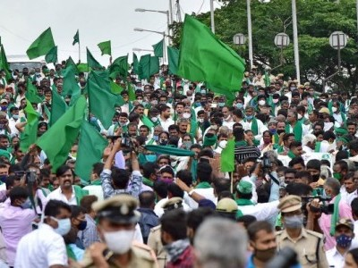 Farmers oppose ordinances, take out massive rally