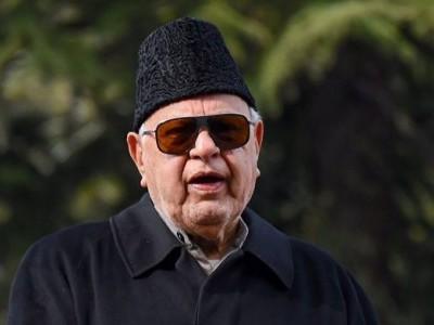 کشمیر میں امن کی بحالی کے لیے سابقہ حیثیت بحال کرنا ضروری: فاروق عبداللہ