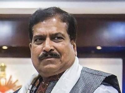 مرکزی وزیر مملکت برائے ریلوے سریش انگاڈی کا کورونا کے سبب انتقال