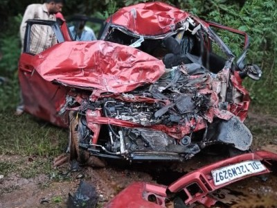 4 killed in ghastly road accident on Yellapur highway