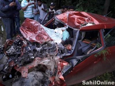 یلاپورمیں بھیانک سڑک حادثہ؛ لاری کی ٹکر میں کار پر سوار چاروں لوگ ہلاک