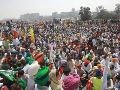 Government trying to use COVID as excuse to quell protest against agri laws, allege farmer leaders