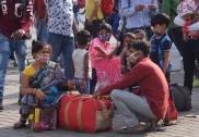 دہلی میں لاک ڈاؤن  کے اعلان کے بعد مہاجر مزدوروں میں ایک بار پھر افراتفری ، وزیر اعلیٰ اروند کیجریوال کی عوام سے اپیل ، کہا ؛ دہلی چھوڑ کر نہ جائیں ، یہ لاک ڈاؤن مختصر وقفے کیلئے ہے