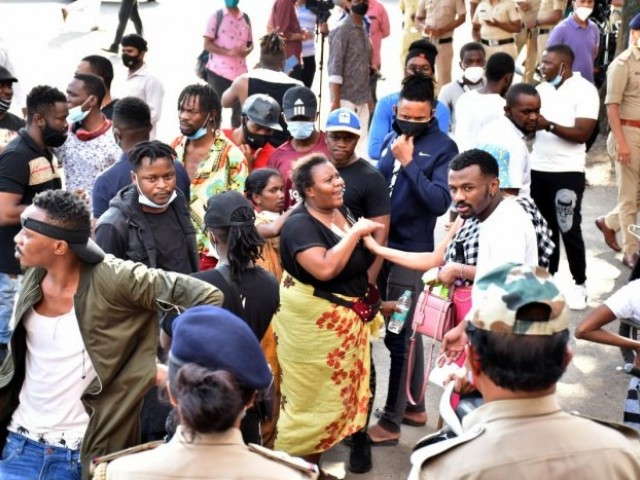 بنگلورو میں 6ہزار سے زائد افریقی باشندے غیرقانونی طورپر مقیم،  ریاست میں دولاکھ سے زیادہ مہاجرین۔ اکثریت کے پاس نقلی ویزے ہونے پولیس کا دعویٰ