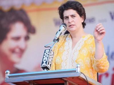 دہلی سنبھال نہیں پا رہے ہیں، وزیر داخلہ یو پی کو دے رہے ہیں سرٹیفکیٹ: پرینکا گاندھی