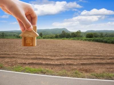 زمین فراہم کرنے والے کسانوں کے فائلس کی جلد نکاسی کرنے ہدایت